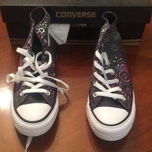 Brand new converse size 7